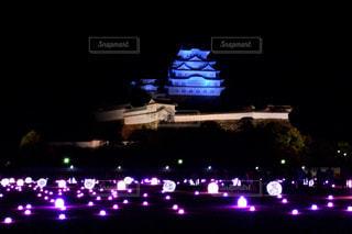 大きな橋が夜ライトアップの写真・画像素材[916174]