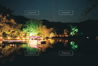 夜ライトアップ橋の写真・画像素材[926656]