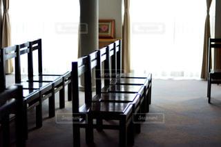ダイニング ルームのテーブルの写真・画像素材[995274]