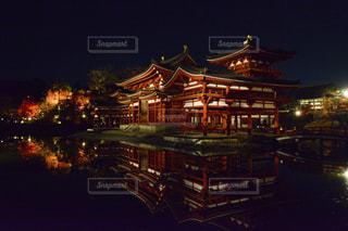 夜の街の景色の写真・画像素材[1019784]