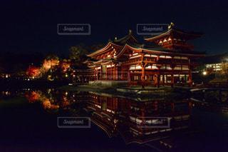 夜の街の景色の写真・画像素材[1019785]