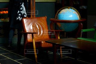 ダイニング ルームのテーブルの写真・画像素材[1023775]