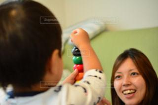 彼女の歯を磨く女性 - No.1181642