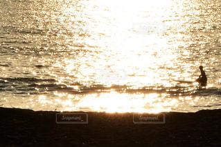 風景,海,空,夕日,屋外,太陽,舟,サーフボード,夕暮れ,波,水面,海岸,オレンジ,三国サンセットビーチ