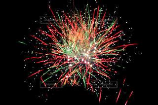 空に花火の写真・画像素材[1328152]