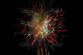 夜空の花火の写真・画像素材[1328154]