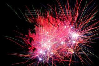 夜空の花火の写真・画像素材[1450339]