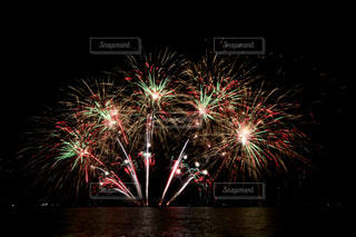 夜空の花火の写真・画像素材[1450353]