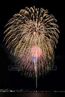 空に花火の写真・画像素材[1450366]