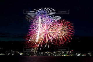 夜空の花火の写真・画像素材[1450404]