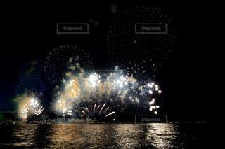 空に花火の写真・画像素材[1450405]