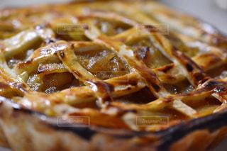 食べ物,スイーツ,秋,屋内,デザート,テーブル,フルーツ,果物,アップル,りんご,パイ,料理,テーブルフォト,手作り,アップルパイ,食,艶,食欲,秋の味覚,食欲の秋,スライス