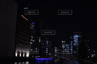 夜の街の景色の写真・画像素材[1709357]