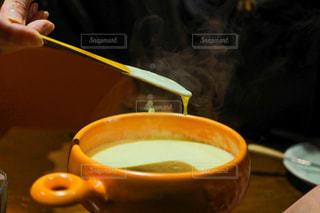 テーブルの上のコーヒー カップの写真・画像素材[1772113]