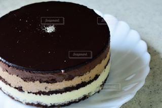 食べ物,スイーツ,ケーキ,白,プレゼント,デザート,テーブル,皿,洋菓子,お菓子,チョコレート,甘い,料理,バレンタイン,チョコレートケーキ,チョコ,バレンタインデー,ギフト,友チョコ,義理チョコ,本命チョコ