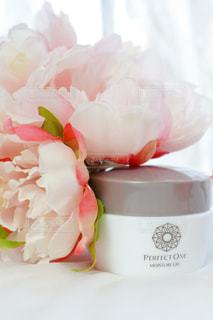 花,ピンク,白,花束,バラ,薔薇,テーブルフォト,アンバサダー,オールインワンジェル,パーフェクトワン,perfectone