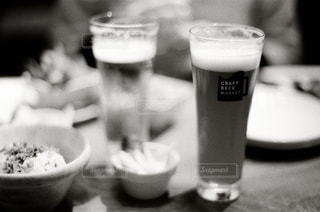 メニュー,ワイン,グラス,ビール,カップ,カクテル,乾杯,フィルム,ドリンク,女子会,デート,アルコール,フィルムカメラ,飲料,フィルム写真,モノクロ写真,エール