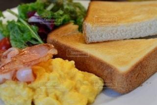 食べ物の皿の写真・画像素材[2513859]