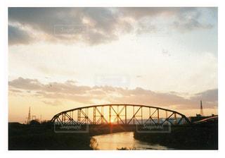 水域に架かる橋の写真・画像素材[2888263]