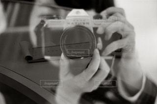 ギターを持っている人のクローズアップの写真・画像素材[2957940]