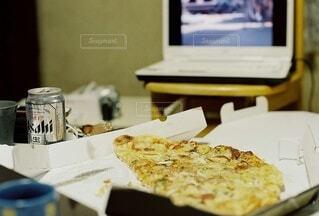 食べ物,飲み物,風景,屋内,料理,出前,宅配,テイクアウト,ファストフード,ピザ,デリバリー,お持ち帰り