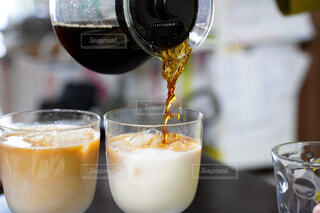 食べ物,カフェ,コーヒー,ジュース,景色,ガラス,リラックス,グラス,ビール,カップ,カクテル,カフェオレ,おうちカフェ,ミルク,ドリンク,おうち,牛乳,アルコール,ライフスタイル,飲料,サーバー,カフェ・オ・レ,ソフトド リンク,おうち時間
