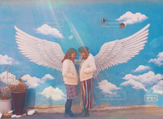 女性,2人,学生,ファッション,女の子,スカート,羽,韓国,天使,壁画,冬服