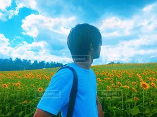 空,夏,雲,向日葵,ポートレート,青春,夏休み,仲間,フォトジェニック,Tシャツ,蒜山,男性写真
