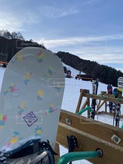 アウトドア,空,スポーツ,雪,屋外,かわいい,山,人物,ゲレンデ,スノボー,レジャー,スノーボード,ウィンタースポーツ,ボード