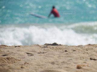 海の横にある砂浜のビーチの写真・画像素材[806144]