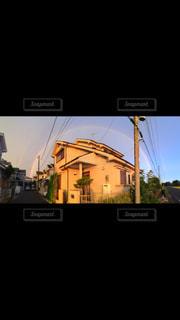 空,太陽,晴れ,虹,家,地元,二重の虹,初恋,隣の家,家をまたぐ虹