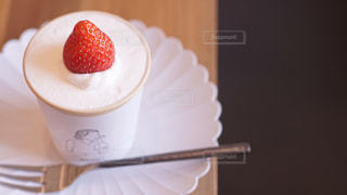 スイーツ,いちご,オシャレ,美味しい,happy,strawberry,ショートケーキ,世田谷線,美味しい瞬間,yammjapan,るるぶダイニング,おいしい瞬間,カップショートケーキ,BRICK LANE