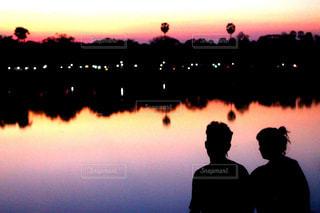 2人,自然,夕日,カップル,海外,世界の絶景,夕焼け,ツーショット