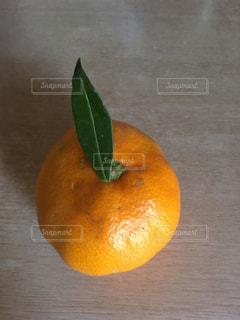 葉っぱ,フルーツ,みかん,1個
