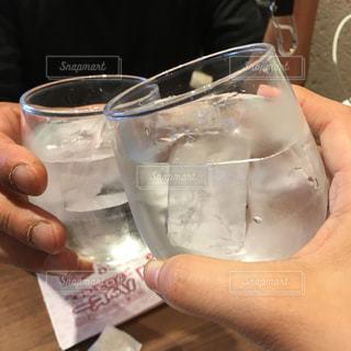 2人,水,手,グラス,乾杯,ドリンク,ハッピー