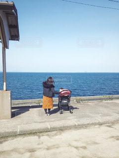 下灘駅とベビーカーと親子の写真・画像素材[1847638]