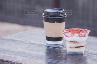ティラミスとコーヒーの写真・画像素材[2036659]