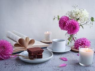 ガトーショコラでコーヒータイムの写真・画像素材[3309714]