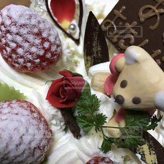 花,ケーキ,バラ,苺,生クリーム,甘い,誕生日,美味しい,チョコ,粉砂糖