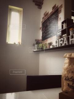 リビング,観葉植物,ダイニングテーブル,アルファベット,黒板アート,黒板クロス
