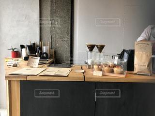 コーヒー店のカウンターの写真・画像素材[790857]