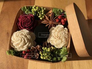 赤,白,フラワーアレンジメント,お花,アロマ,プリザーブドフラワー