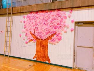 在校生の手作りの桜で卒業生見送りの写真・画像素材[1087092]