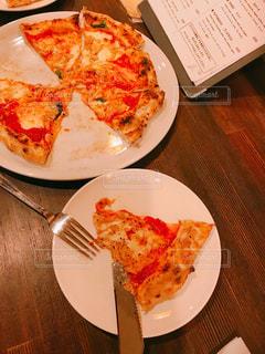 秋,ランチ,テーブル,お店,チーズ,カトラリー,料理,熱々,食,焼きたて,岡山県,食欲,ピザ,玉野市,メニュー表,石窯ピザ,pizzabase
