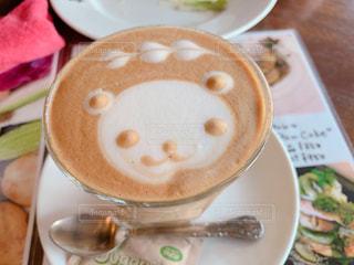 カフェ,コーヒー,ランチ,かわいい,テーブル,スプーン,お店,マグカップ,カトラリー,カプチーノ,カフェラテ,泡,カフェオレ,テーブルフォト,くま,クリーミー,フォトジェニック,メニュー表,ミルクティー色