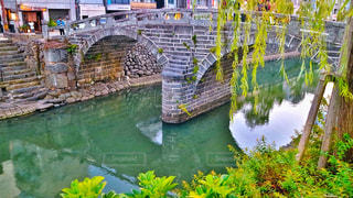 水の体の上の橋の写真・画像素材[854363]