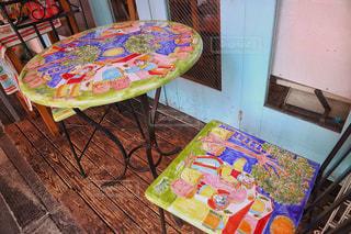 お洒落なテーブルと椅子の写真・画像素材[870011]