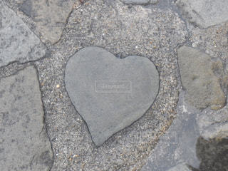 ハートの石の写真・画像素材[875241]