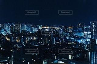 夜の都市の眺めの写真・画像素材[3349756]