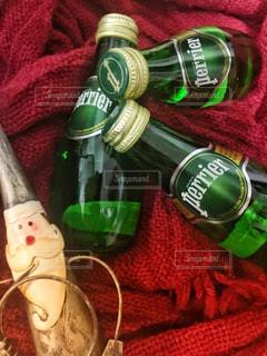 サンタと飲み物の写真・画像素材[919377]